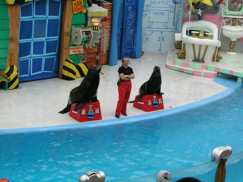 Clyde and Seamore in Sea World