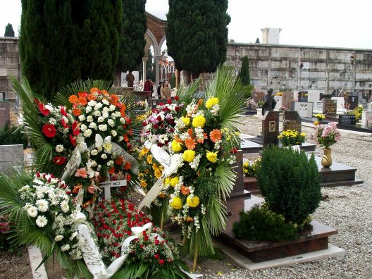 Ein frisches Grab am Cimitero San Michele